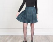 PLAID MINI SKIRT green kilt pleated High Waist liz claiborne 90S vintage preppy / Size 9 10 / 29 30 Inch Waist