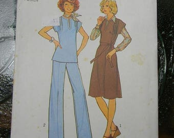 Christmas in July Vintage Simplicity Pullover Dress, Jumper or Top and Pants Pattern N 7602 Uncut Size 40