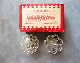 Vintage Flower Fashioner, Tiny Plastic Flower Arrangers with Rubber Suction Cups