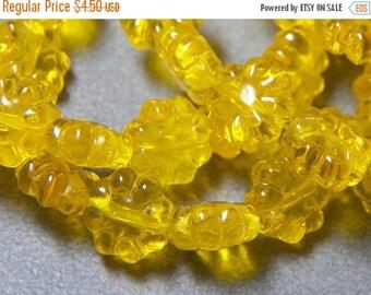 50% OFF Yellow 8 Petal Flat Flower Glass Beads (25)