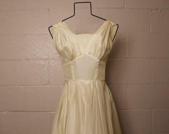 Vintage 1950's Off White Party Dress XS Petite Jr Bust 31 Waist 22