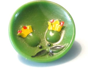 Vintage Sewing Buttons - Green Glass - Tulips