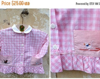 ON SALE Vintage  1960/60s French gingham pink and white cotton embroidered baby dress  / size 1 year