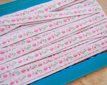 Adorable Pink Floral  -3 yards Vintage Fabric Trim New Old Stock Daisies Embroidered Ribbon