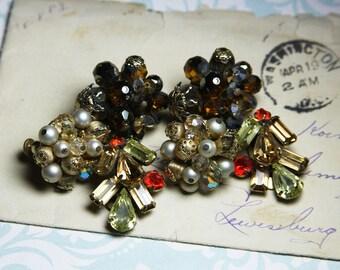 Vintage Clip On EARRINGS- Vendome Cluster Earrings- Vintage Jewelry- Costume Jewelry- Wedding Jewelry- Pearls Rhinestones