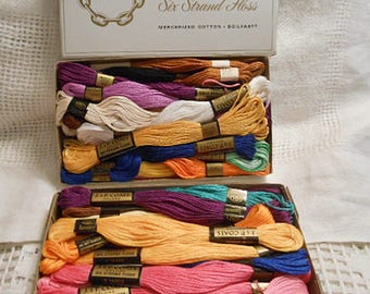 43 EMBROIDERY FLOSS Skeins 6 Str 9 yds Cotton USA Made Mixed Lot, Violet Gold Rose Yellow Tan Green White, J P Coats Supply Craft Projects 2