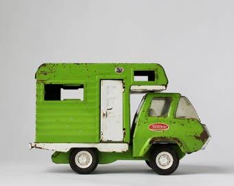 Tonka Camper, Vintage Campers, Summer Vacation, Vintage Toys, Lime Green Camper Van, Road Trip Toy, Metal Trucks, Hipster Holidays, Caravans