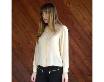 20% off SUMMER SALE. . . Vanilla Silk Peter Pan Collar Blouse - Vintage 80s - XS