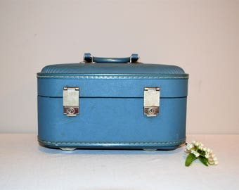 Vintage Blue Train Case 50's Box