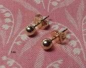 Estate 14k Yellow Gold Stud Ball Pierced Earrings