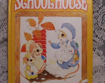Merry Mouse Schoolhouse Hardcover Book - 1982