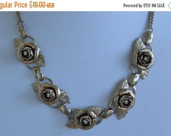 """ON SALE Pretty Vintage Light Gold tone Floral Rose, Rhinestone Necklace, Shabby Chic, 17"""" (T7)"""