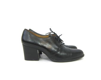 Black leather oxfords Chunky lace up librarian shoes Preppy Heel Work Shoes 1990s Pointy Toe Tie Shoes GH Bass Women's Size 9.5 10
