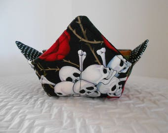 Microwave Bowl Cozy, Soup Bowl Warmer, Ice Cream Bowl Holder, Skulls and Roses, Bowl Cozie, Reversible, Fabric Cozy, Hot Cold Bowl Cover