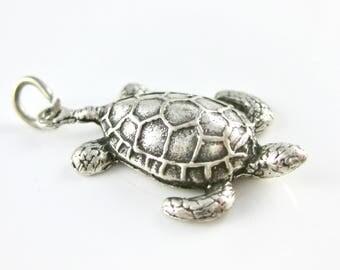 C1164 Vintage Sterling Silver Sea Turtle Charm Pendant