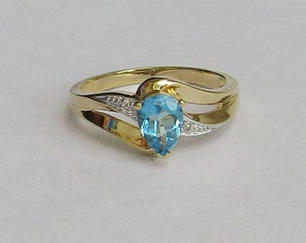 Beautiful Sky Blue Topaz & Diamond vintage ring, solid 10K Y Gold, size 7, free US first class shipping