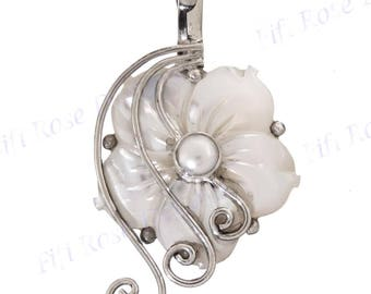 "1 13/16"" Mother Of Pearl Shell Flower Freshwater Pearl 925 Sterling Silver Pendant"