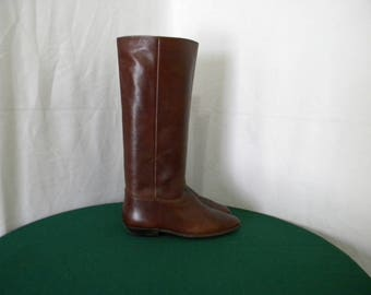 Sz 7.5m Vintage Tall brown leather 1980s 9West Women flat riding boots.