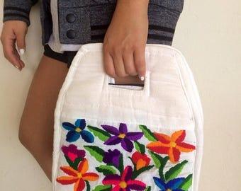 40% SUMMER SALE The Vintage White Boho Mexican Handbag