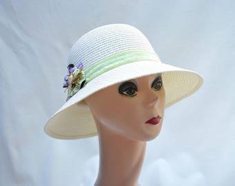 Summer Straw Cloche Hat With Flower Trim / Downton Abbey Inspired Cloche Hat / Cream Cloche Hat / Vintage Inspired Cloche Hat