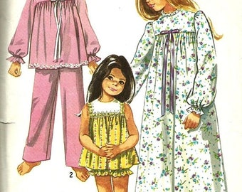 ChristmasinJuly Vintage 70s Simplicity 9095 Toddler Girls Baby Doll Pajamas, Long Nightgown and Pajamas Sewing Pattern Size 6
