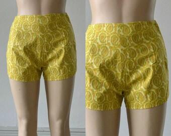 60s Hot Pants Vintage Short Shorts Yellow Paisley Print - 24 inch waist