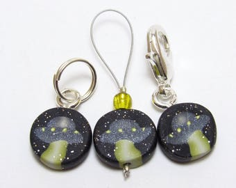 UFO Stitch Markers, Set of 3 or 6, Black & Gold, Glitter Polymer Clay, Handmade Supply, Knitter Crochet Gift, Slang Inspired, Sci-Fi Fan