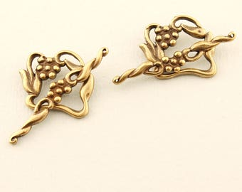 Antique Brass Toggle Clasp, Flower and Vine, 2 Sets, Jewelry Beading Supplies Findings