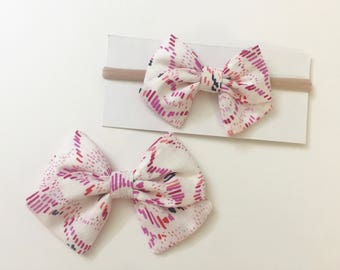 Pink Dash Bow - clip or nylon