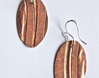Foldformed and Textured Copper Oval Earrings, copper earrings, modern earrings, contemporary earrings, dangle earrings, copper drop earrings