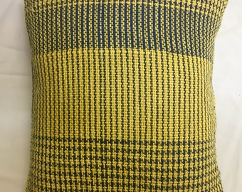 Two Pillows, Houndstooth