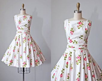 1950s Dress - Vintage 50s Dress - White Pink Rose Print Cotton Princess Seam Full Skirt Sundress S M - That Perfect Day Dress