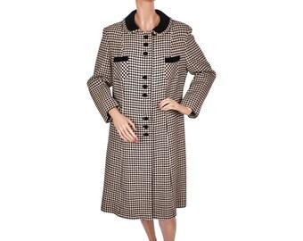 Vintage 1960s Black and White Houndstooth Wool Coat with Black Velvet Detailing - Ladies - M