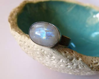Rainbow moonstone silver ring, textured handmade metalwork ring, gift for wife, for sister, for girlfriend, OOAK, anniversary gift, birthday