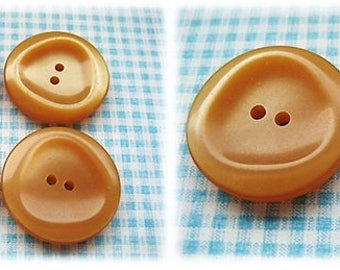 Toffee Coloured 1960's Buttons