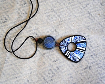 Blue Geometric Necklace, Polymer Clay Necklace, Beaded Pendant Necklace, Artisan Polymer, Abstract Pattern, Short Necklace, Ceramic Necklace