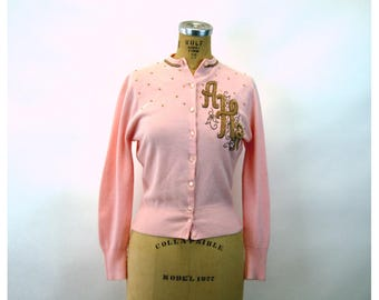 1950s cardigan lambswool beaded monogrammed sweater pink gold Size