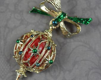 Vintage 1950s Red, Green and Gold Christmas Ornament Brooch