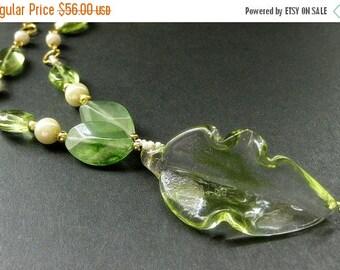 SUMMER SALE Green Leaf Necklace. Lampwork Glass Necklace. Beaded Necklace. Green Necklace. Lampwork Leaf Necklace. Handmade Necklace. Handma
