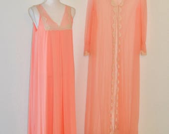 Vintage Venus Peignoir Nightgown & Robe Set Lingerie Peachy Pink Lace Trim Size Medium