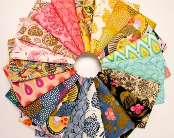 Floral Waterfall - Fat Quarter Fabric Bundle by Shannon Newlin - 19 prints