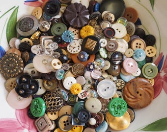 One Pound Bulk Nice Vintage Buttons - 1 lb
