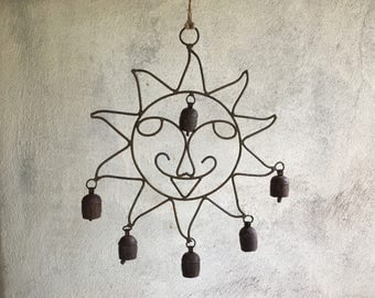 Vintage smiling sun wind chime rusty metal cow bells metal windchimes patio decor