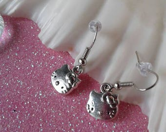 Kitty Cat Earrings with Bow