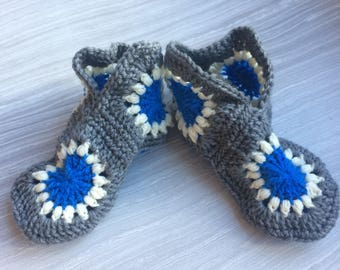 Ladies' Slippers (to fit shoe size 7 to 9)