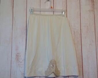 Vintage Shadow Line Ivory Nylon Skirt Slip Lingerie