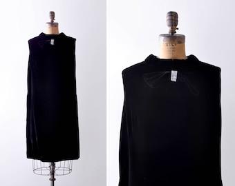 1960 black velvet dress. large. 60's shift dress. Bow. Crystals. shift.