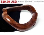 Wood Bangle Bracelet - Carved Abstract Wooden Mid Century Modern 1950's - 1960's Vintage Jewelry -