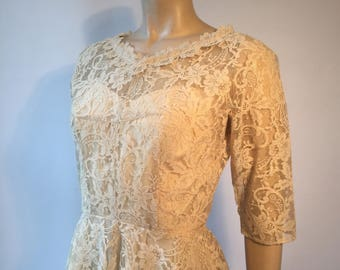 1950s vintage nude illusion lace sweetheart neckline dress w/ full skirt with tulle and 3/4 sleeves - prom party or wedding