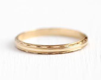 Vintage Wedding Band - 14k Yellow Gold Etched Decorative Ring - Size 7 1/2 Mid Century 1940s Eternity Women's Fine Stacking Jewelry